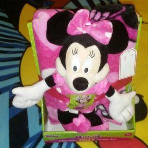 NWT Minnie Mouse